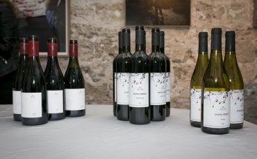 """יינות חדשים של יקב סגל """"התססה פראית"""" ואשכולות שלמים"""""""