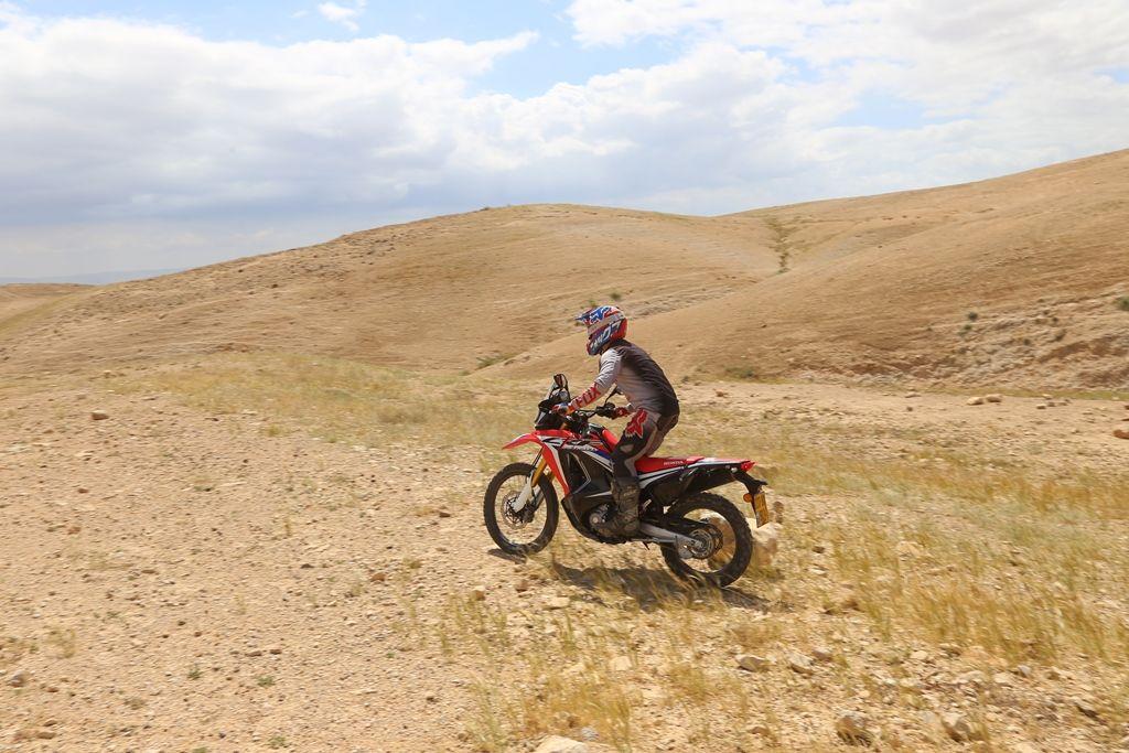 טיול עם אופנוע הונדה CRF250 RALLY