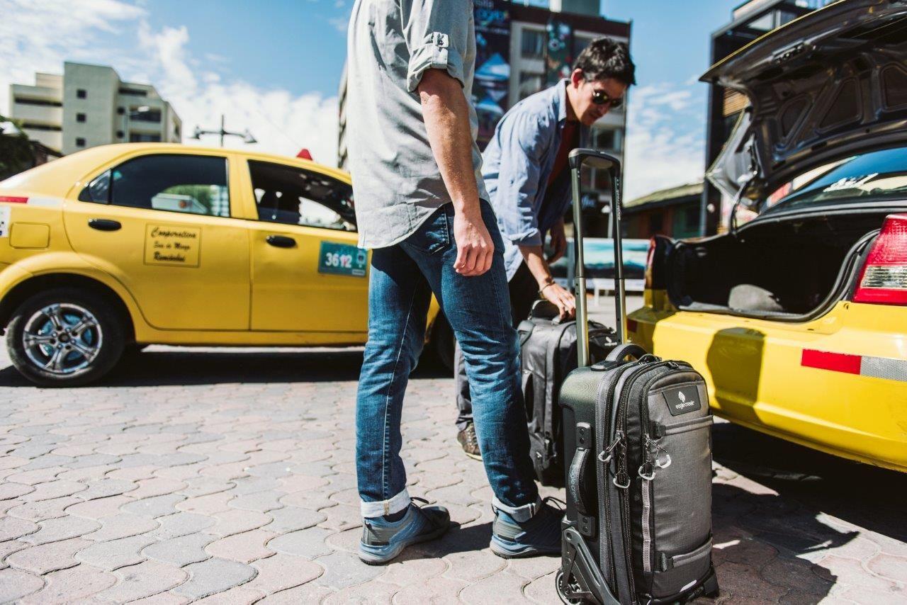 """נוסעים לחו""""ל? עם מזוודות איגל קריק אורזים בצ'יק"""