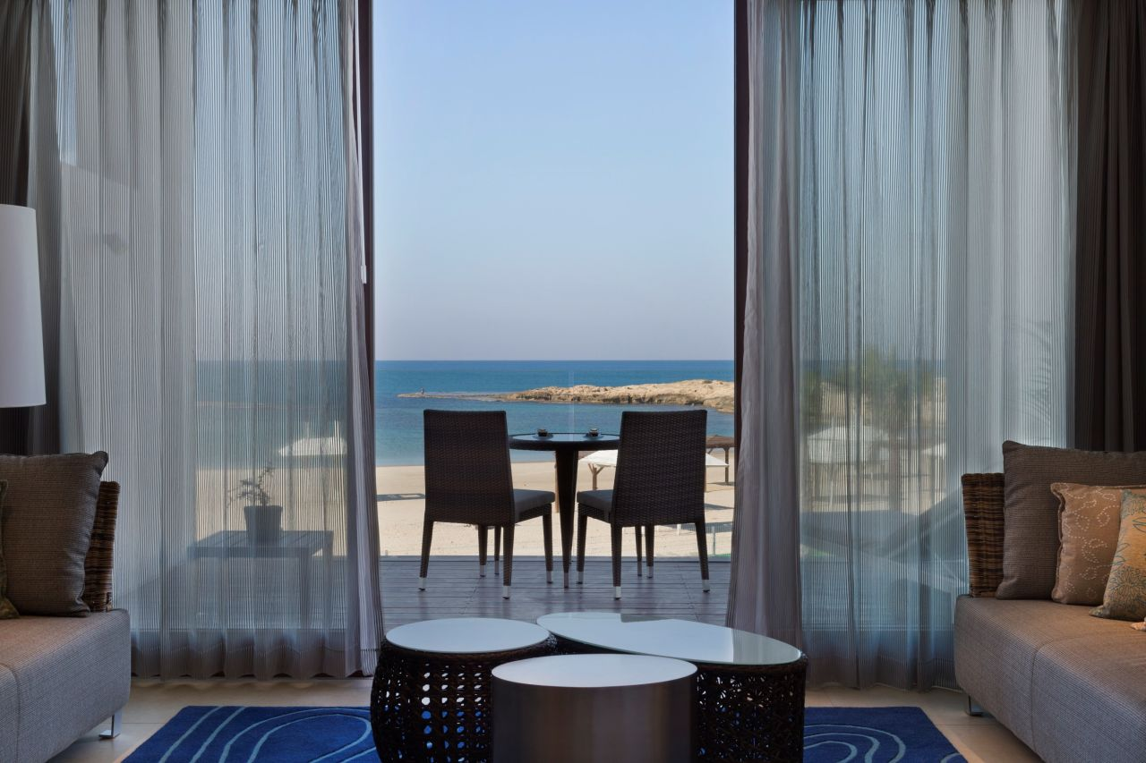 מלון חוף נחשולים